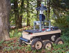 ground vehicle with complex mapping sensor system